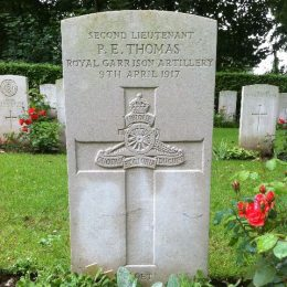 Edward Thomas's grave at Agny