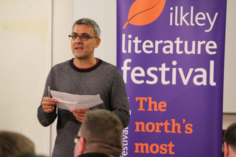 Daljit Nagra announces the winners